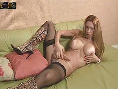 Трансексуал в сапогах порно фото 509-532