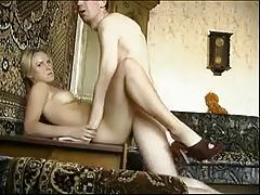 Домашняя ебля с блондинкой